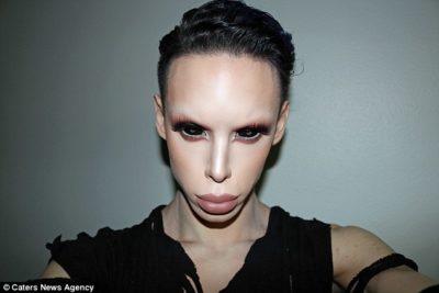 Genderless-Alien-Vinny-Ohh-400x267